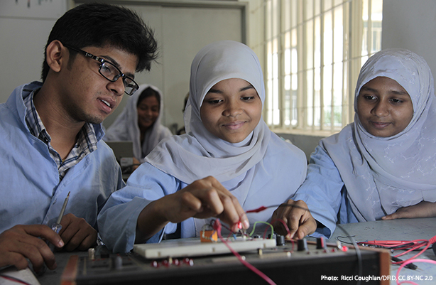 students with electronics