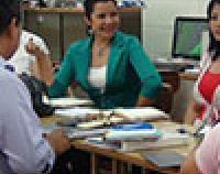 Salvadoran teachers engage in a teacher learning circle.